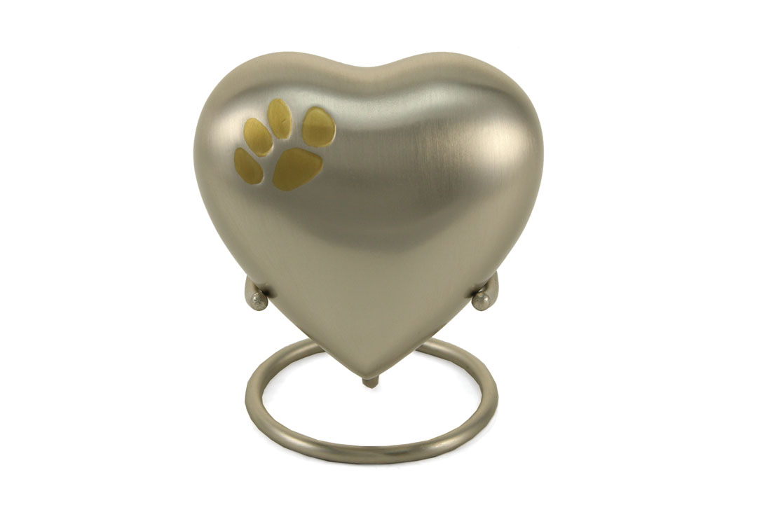 Keepsake Heart- Classic Single Paw Pewter Image